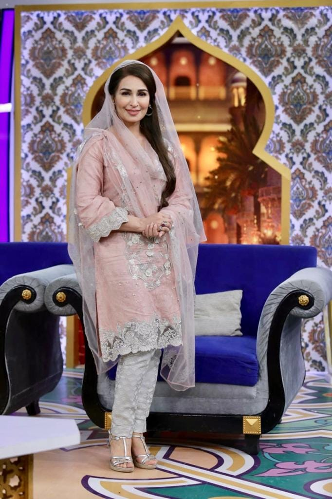 Reema Khan at Iftar Transmission Baran-e-Rahmat
