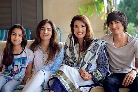 Reham khan with childrens (Sahir Rehman, Ridha Rehman, Inaya Rehman)