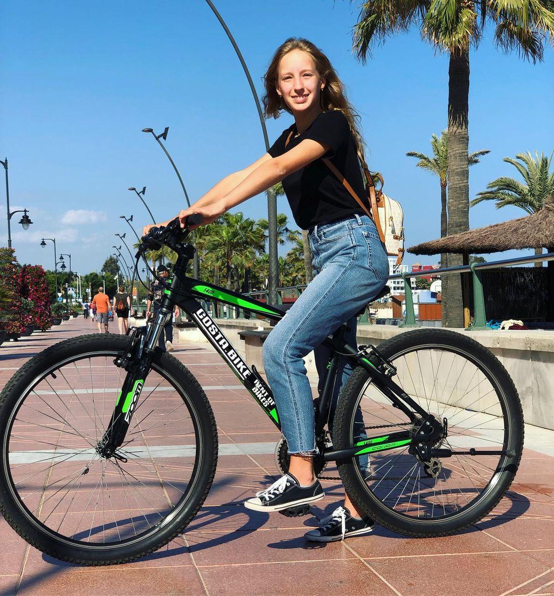 Karina Kurzawa Cycle