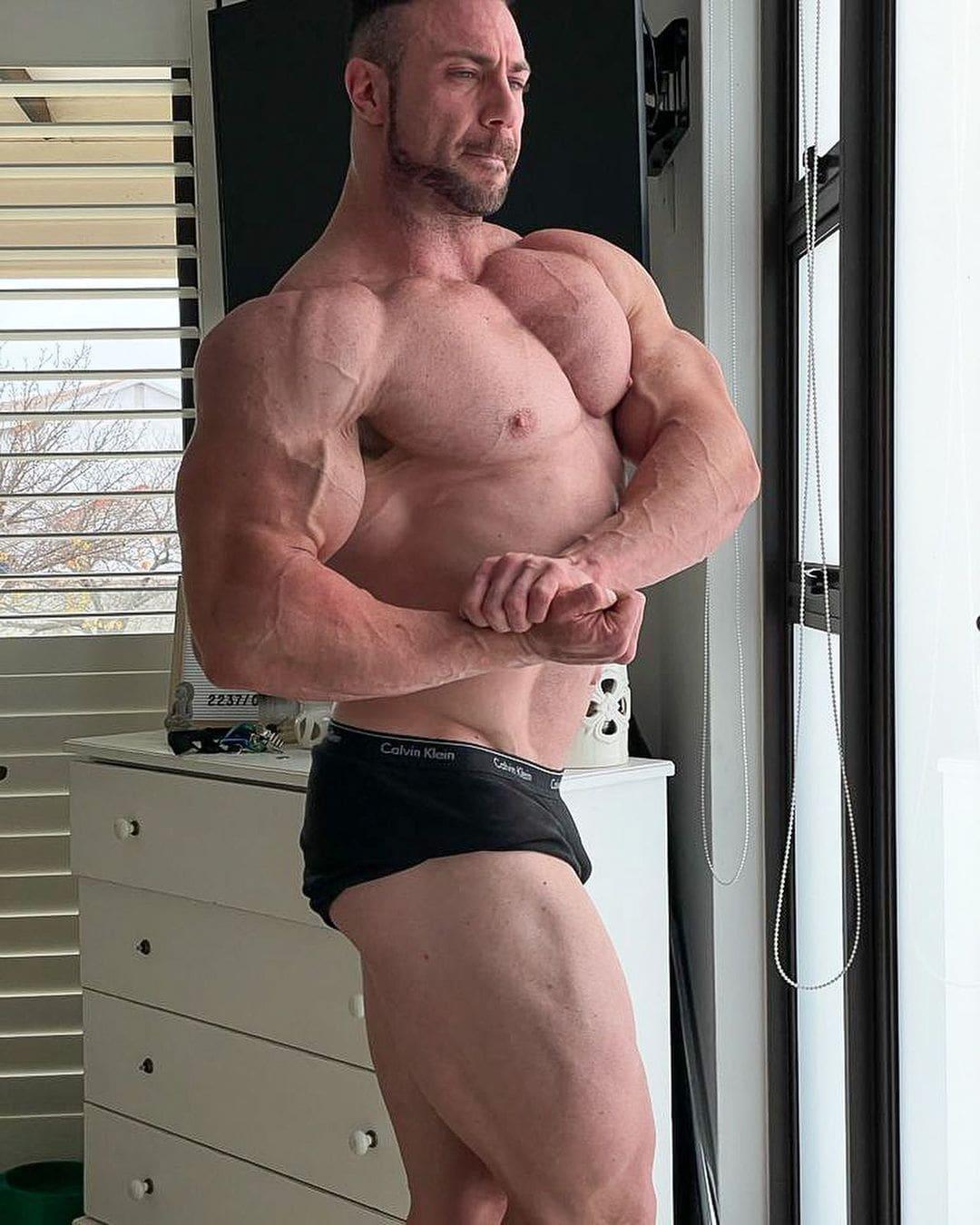 noel deyzel bodybuilder